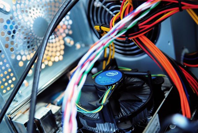 Jak zadbać o właściwe chłodzenie komputera