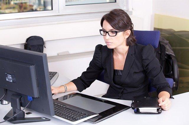 monitor do pracy biurowej
